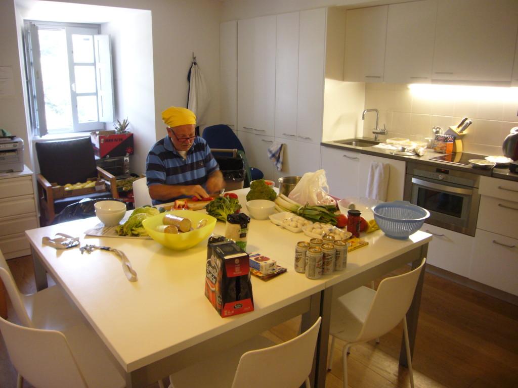 Keukenprins Helmut helpt Irene