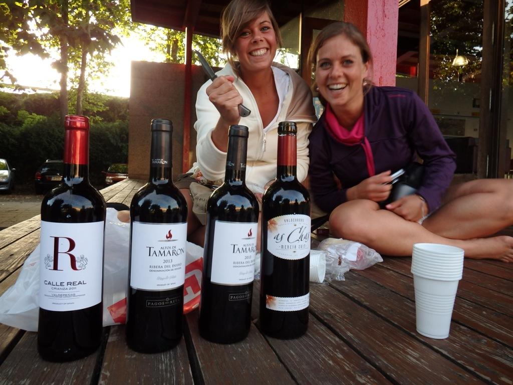 Anja en Sandra hebben voor wijn gezorgd