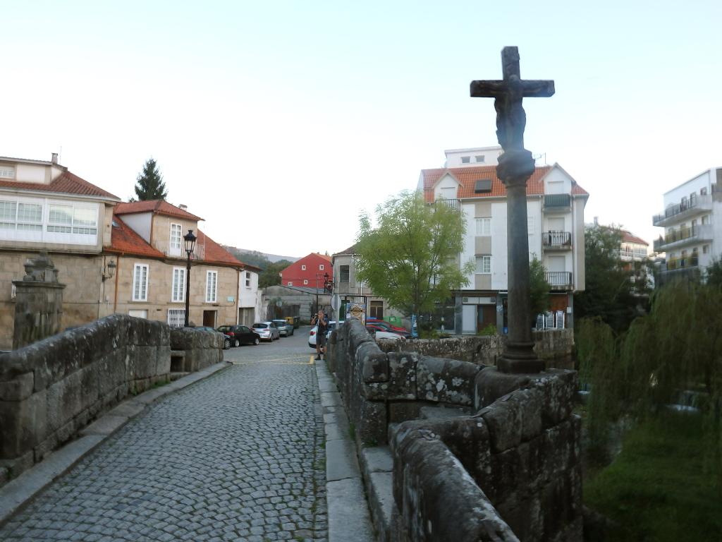 Op de brug in Caldas de Reis