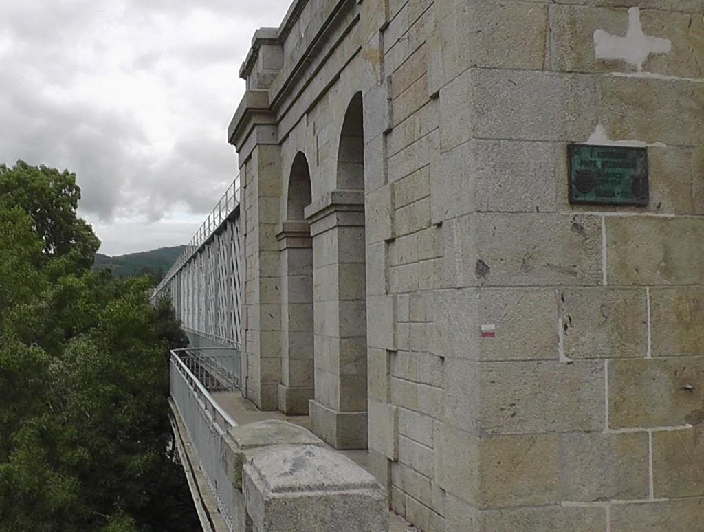 Stalen brug tussen Portugal en Spanje