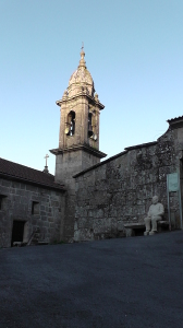Bij de kerk van Alba