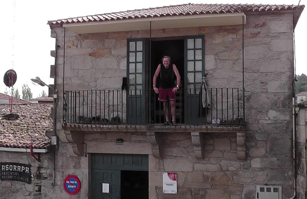 Dieter op het balkon