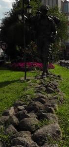 Pelgrimsbeeld aan de Avenida Compostela