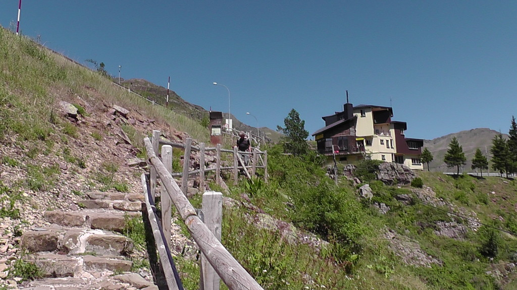 Start afdaling naar Canfranc Estación