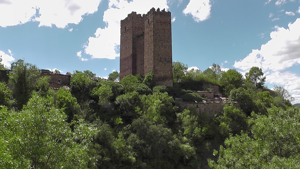 Torenrestant van het fort van Ruesta