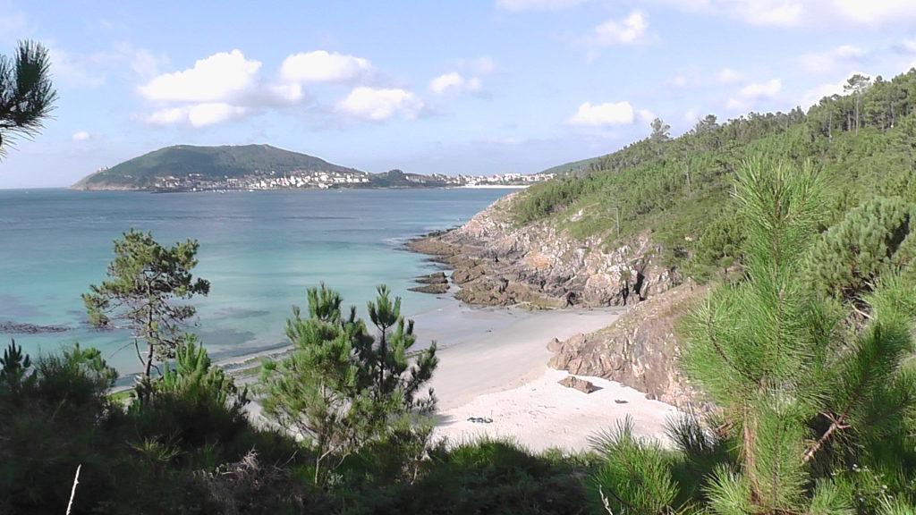 baai met mooi strand bij Escaselas